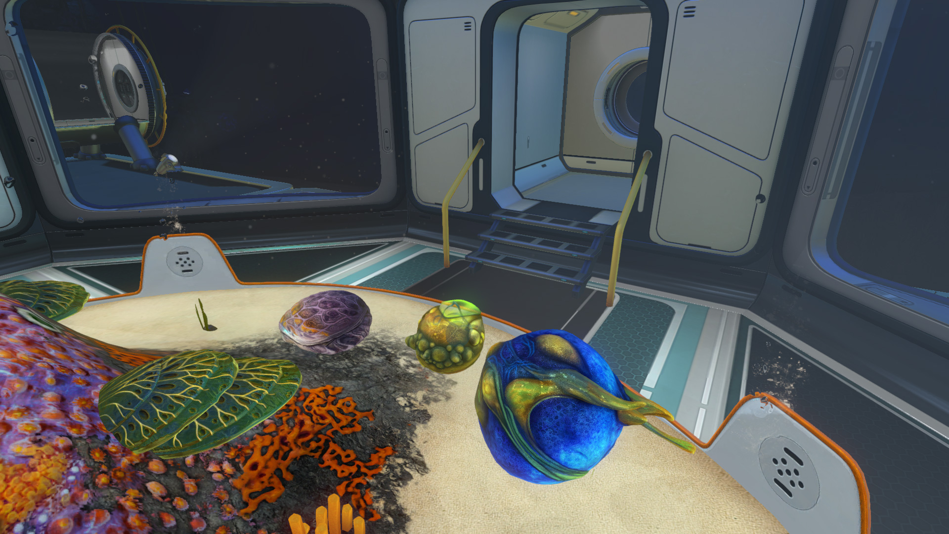 subnautica how to use eggs in contrainment